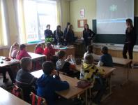 """P. Liatuko pradinėje mokykloje """"Sniego gniūžtiečiai"""" propaguoja biotransportą, sveiką ir judrų gyvenimo būdas."""